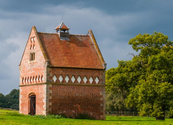 Hodnet Hall photo, 17th century dovecote