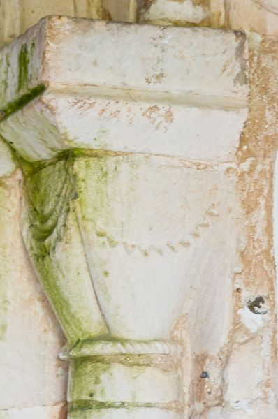 Holton, St Peter's Church photo, Norman doorway capital
