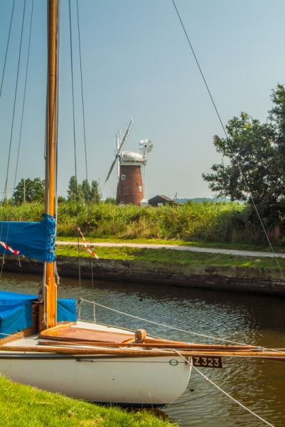 Horsey Windpump photo, The wind pump from the nearby waterway