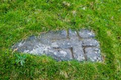 Howmore Chapel, The early Christian grave slab