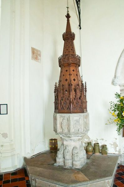 Hoxne, St Peter & St Paul Church photo, Perpendicular font