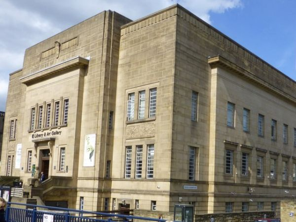 Huddersfield photo, The Library and Art Gallery (c) Raymond Knapman