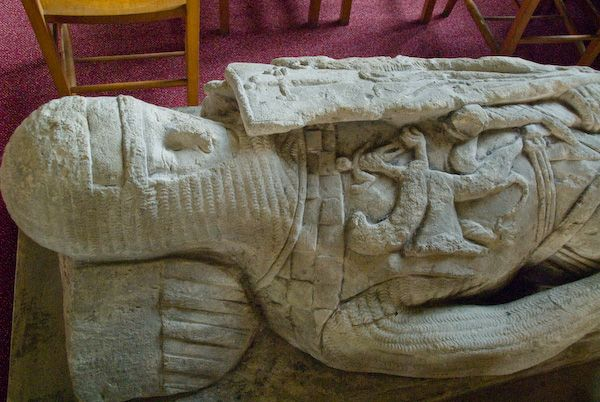 Hughenden, St Michael and All Angels photo, Hughenden Effigy