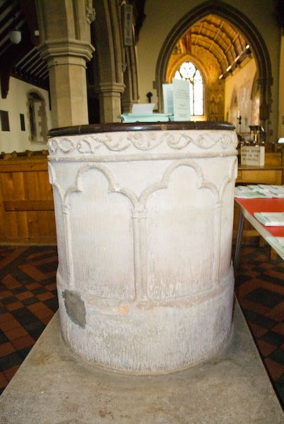 Hughenden, St Michael and All Angels photo, Early English font