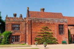 Ingatestone Hall, Approach to the main entrance
