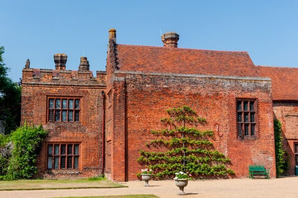 Ingatestone Hall photo, Approach to the main entrance