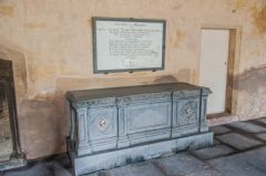 Innerpeffray Chapel, 19th century table tomb