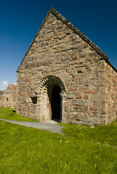 Iona Abbey photo, St Orans Chapel (Relig Odhrain)