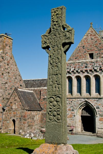 Iona Abbey photo, St Martin's Cross