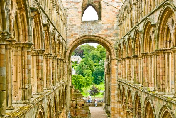 Jedburgh Abbey photo, Looking down the nave