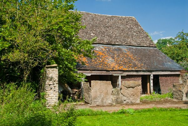 Kelmscott Manor photo, 17th century farm building