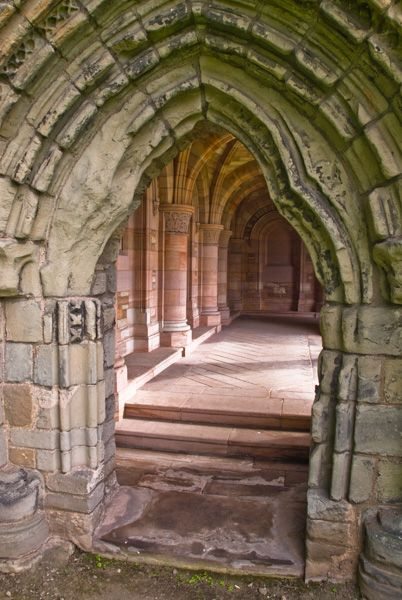 Kelso Abbey photo, Entrance to the Roxburgh cloister
