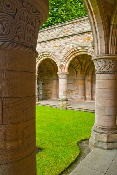 Kelso Abbey photo, 8th Duke of Roxburgh memorial cloister
