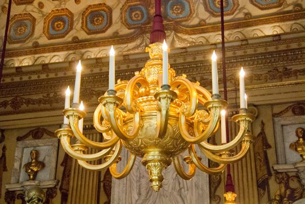 Kensington Palace photo, Gilded chandelier in the Cupola Room