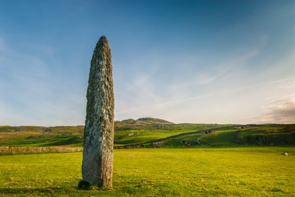 Kilbride Standing Stone photo, The standing stone from the south west