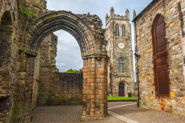 Kilwinning Abbey photo, The tower from the south transept
