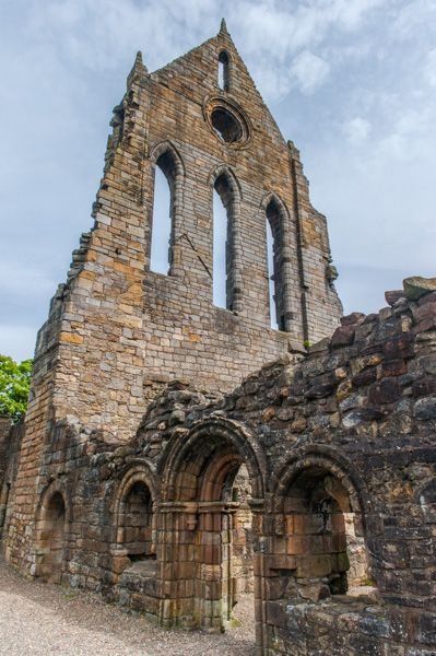 Kilwinning Abbey photo, The south transept wall and chapter house