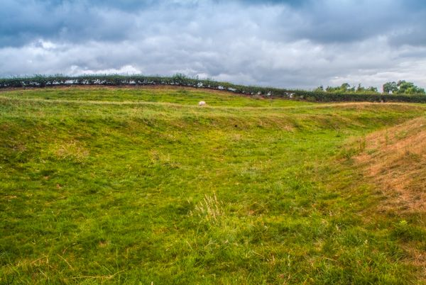 Inside The Earthwork Ditch Earthwork Banks And Ditches Looking Into The  Henge From The Lane. About King Arthuru0027s Round Table