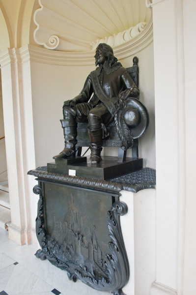 Kingston Lacy photo, Charles I statue