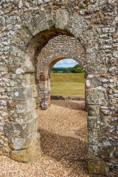 Knowlton Church and Earthworks photo, Doorway arches in the church