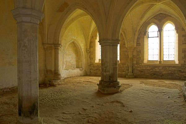 Lacock Abbey photo, The medieval undercroft