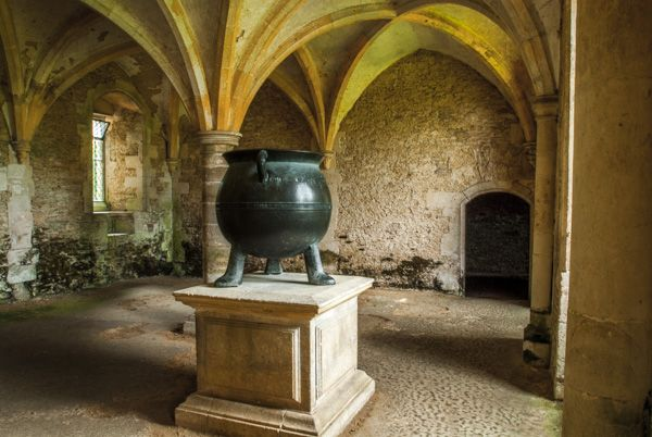 Lacock Abbey photo, 16th century cauldron in the nunnery warming room