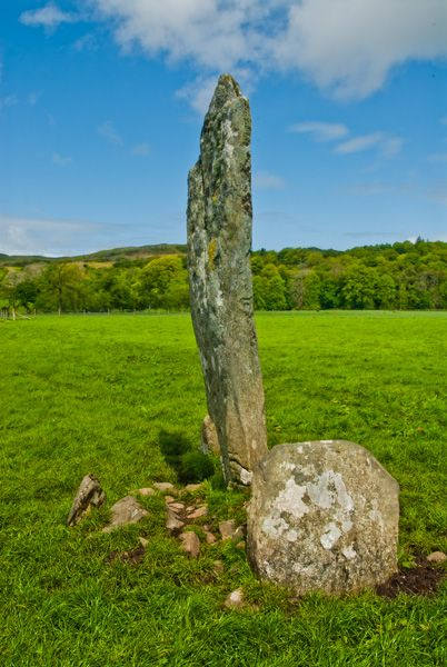 Nether Largie Standing Stones photo, The central stone in the X