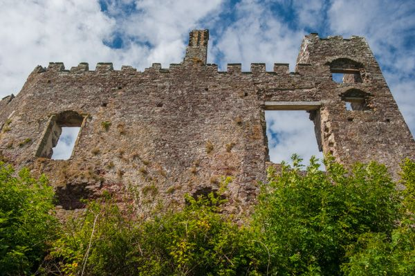 Laugharne Castle photo, Castle wall from the riverside walk