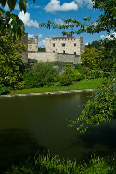 Leeds Castle photo, Castle and lake