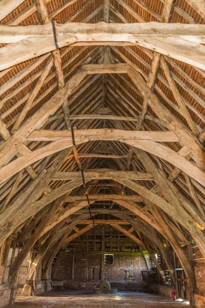 Leigh Court Barn photo, The barn interior and timber roof