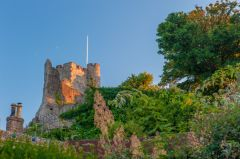 Lewes Castle and Barbican House Museum, The castle in evening light