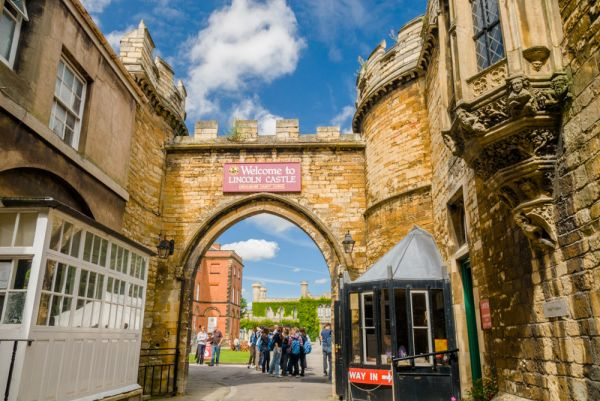 Lincoln Castle photo, The visitor entrance to the castle