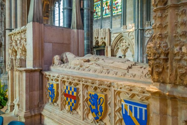Lincoln Cathedral History And Travel Information