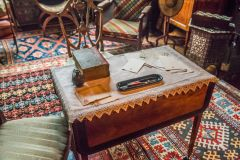 Writing desk in the first floor parlour