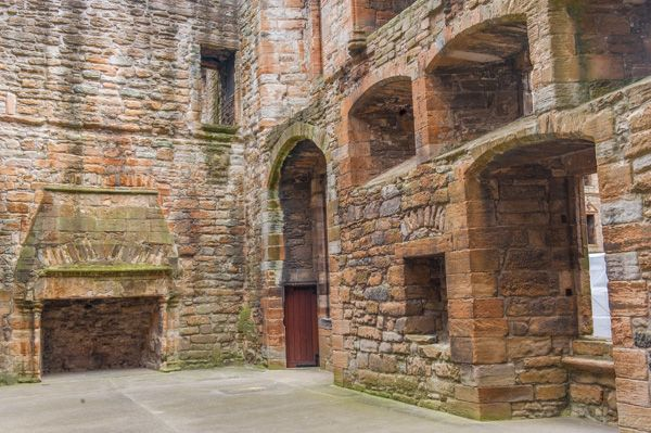 Linlithgow Palace photo, The Royal Apartments