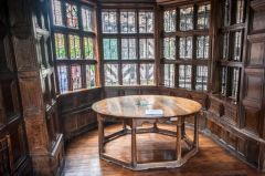 Octagonal table in the withdrawing room