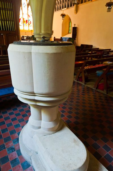 Little Tew, St John the Evangelist Church photo, The 19th century font