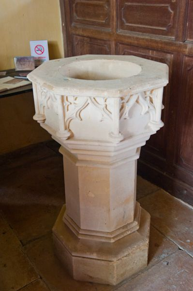 Little Washbourne, St Mary's Church photo, 1840 font