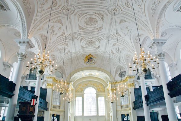 London photo, St Martin in the Fields nave