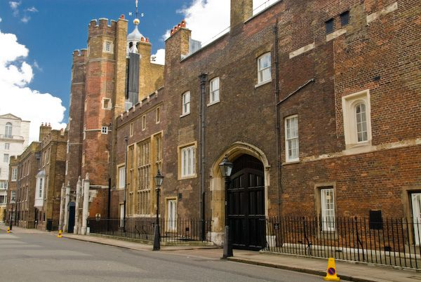 London photo, St James Palace from Pall Mall
