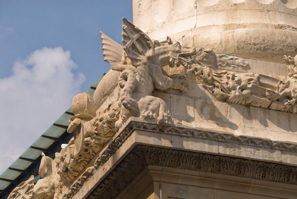 London Monument photo, Dragon carvings