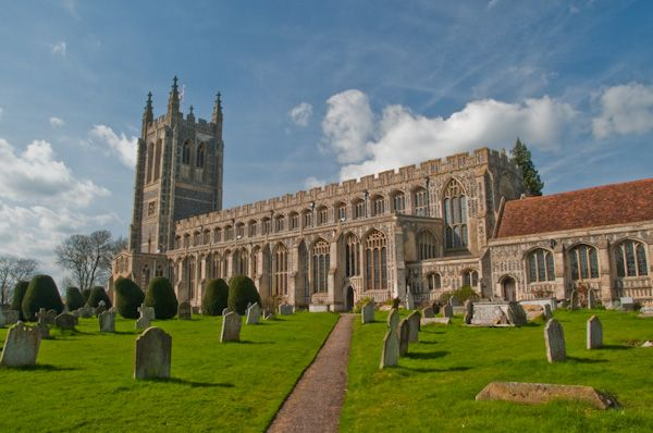 Long Melford, Holy Trinity Church photo, Churchyard view