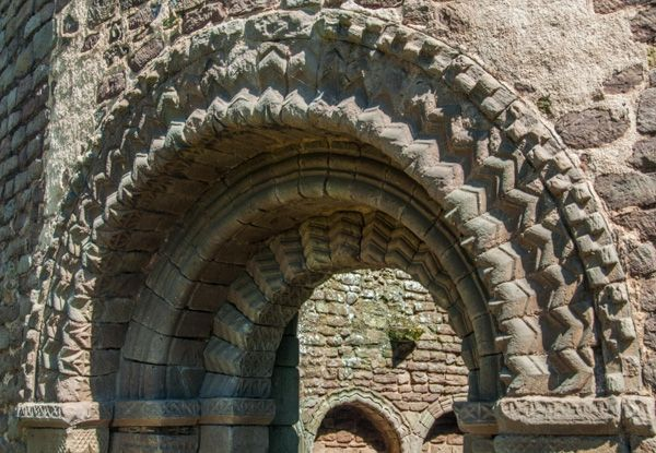 Ludlow Castle photo, A magnificent Norman arch in the Round Chapel