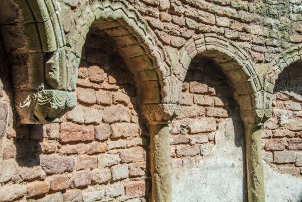 Ludlow Castle photo, Arcading in the Round Chapel