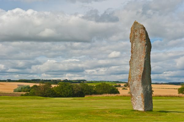 Lundin Links Standing Stones photo, Solitary stone from the south