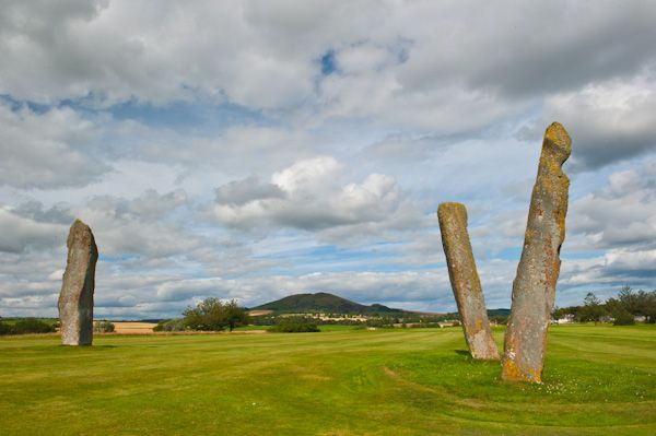 Lundin Links Standing Stones photo, View from the west