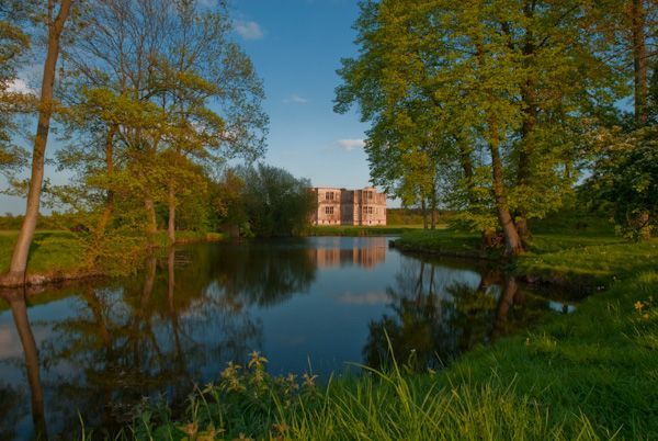 Lyveden New Bield photo, Canal view