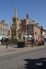 Leighton Buzzard, The 15th century Market Cross on High Street (c) Stephen McKay