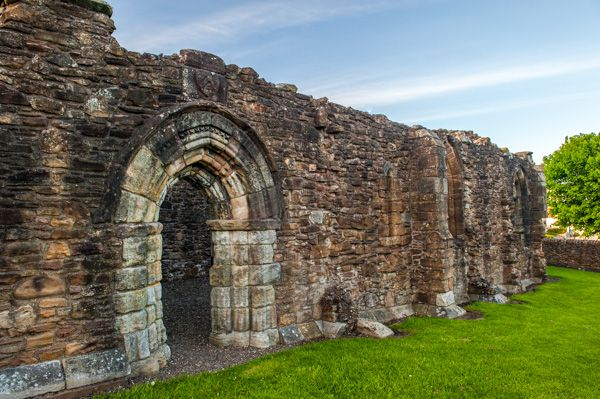 Maybole Collegiate Church photo, The church exterior wall