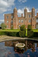 Melford Hall, Garden pool